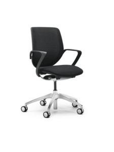 scaun negru giroflex