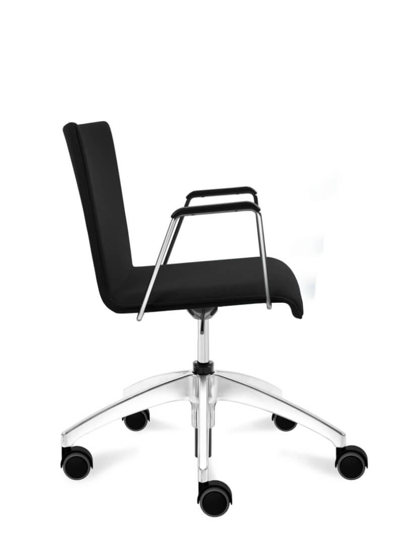 scaun negru managerial